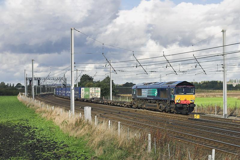 66410 Winwick Junction 20/10/2005<br /> 4M44 0821 Mossend-Daventry