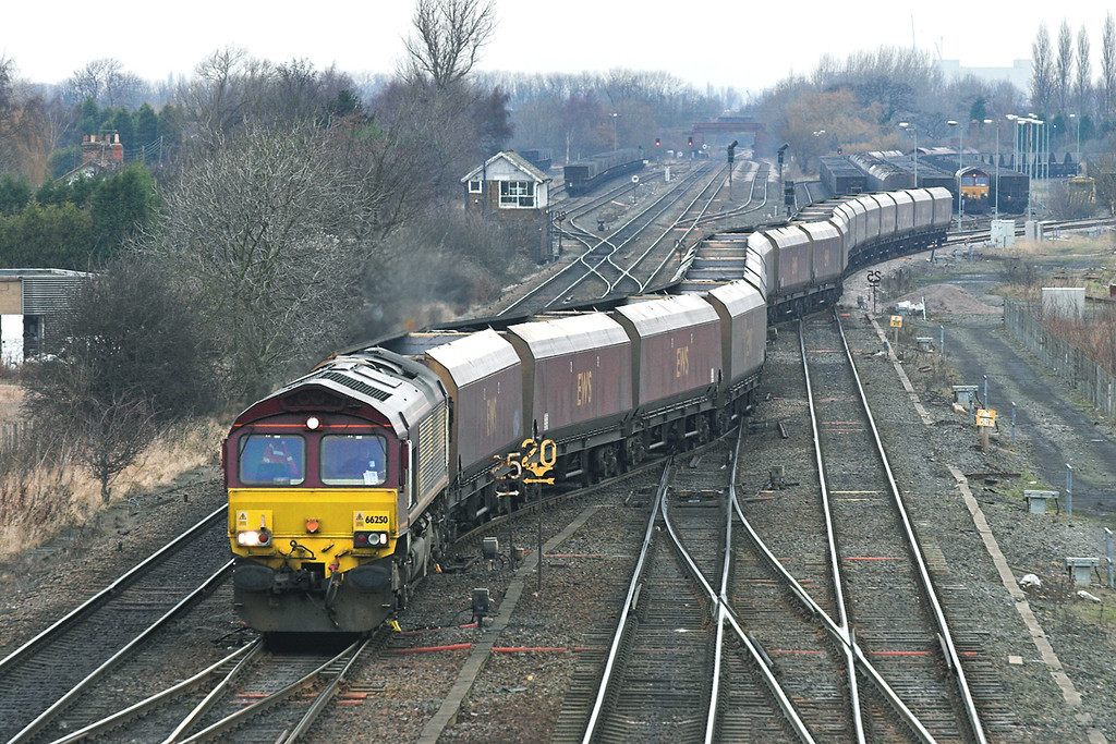 66250 South Milford 20/12/2005<br /> 4S67 1124 Gascoigne Wood-Hunterston