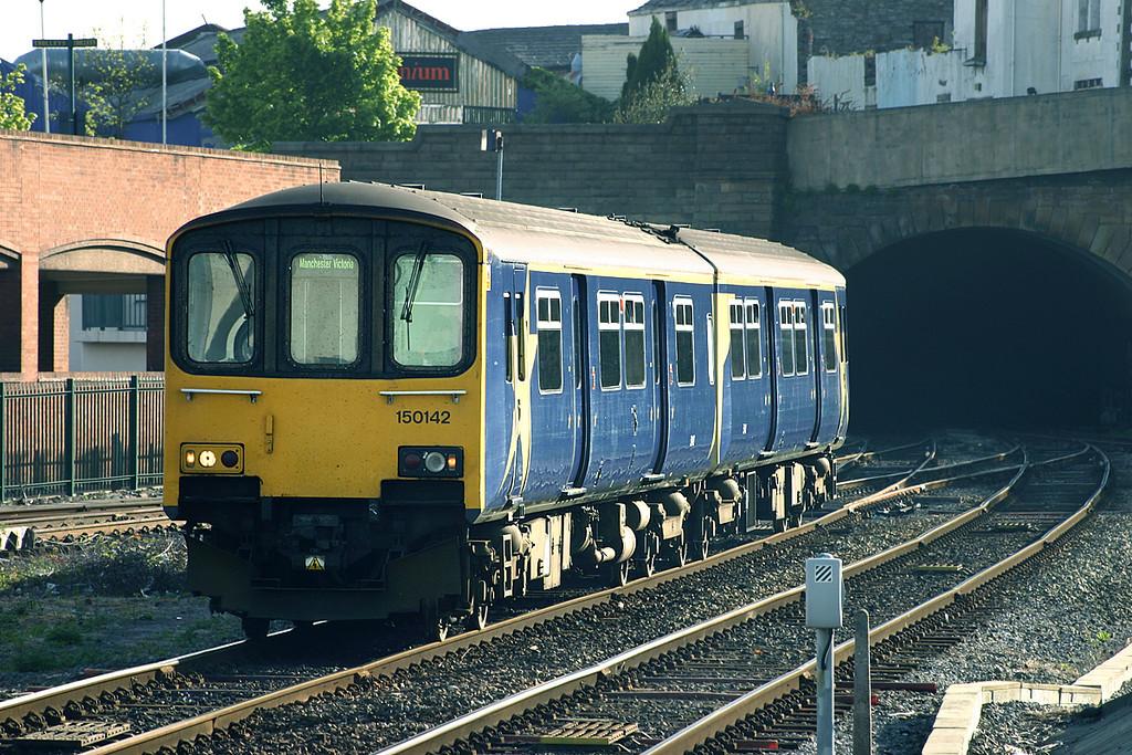 150142 Blackburn 21/5/2005<br /> 2J54 0708 Clitheroe-Manchester Victoria
