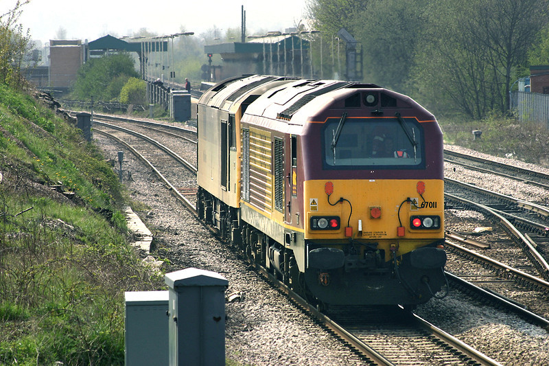 67011 and 60077, Chesterfield 22/4/2005<br /> 0Z87 0949 Knottingley TMD-Toton TMD