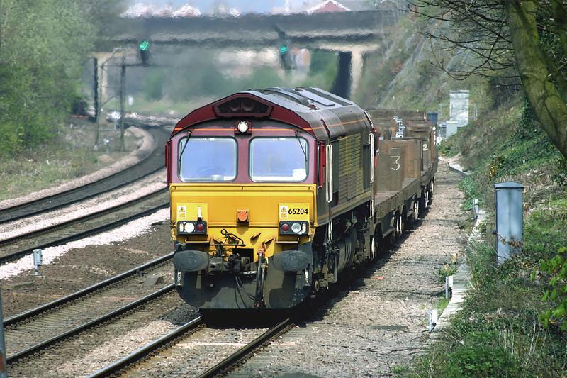 66204 Chesterfield 22/4/2005<br /> 6V36 0817 Lackenby-Margam