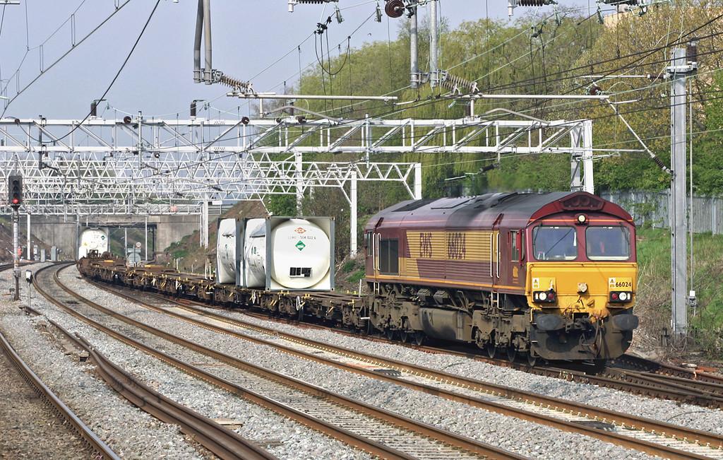 66024 Tamworth 22/4/2005<br /> 4O51 0650 Ditton FLT-Grain FLT