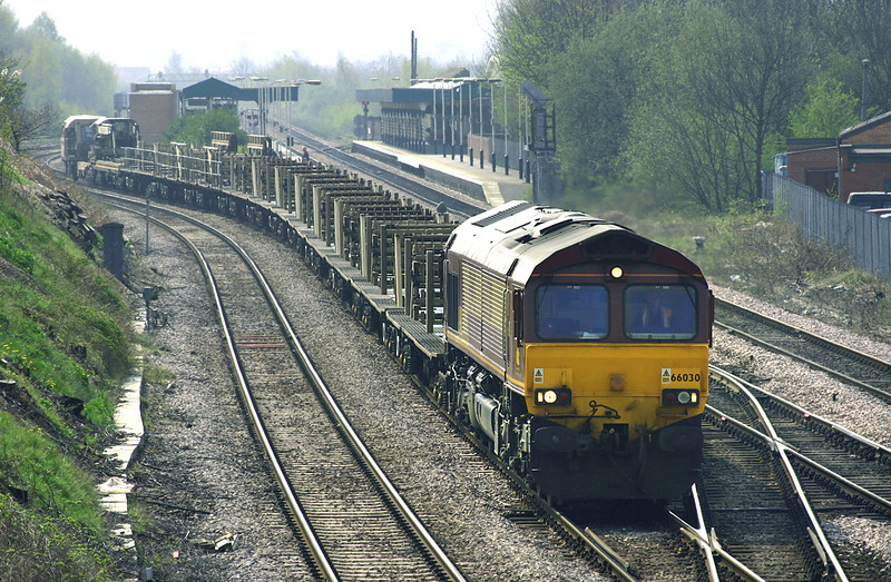 66030 Chesterfield 22/4/2005<br /> 6M23 1049 Toton Yard-Castleton