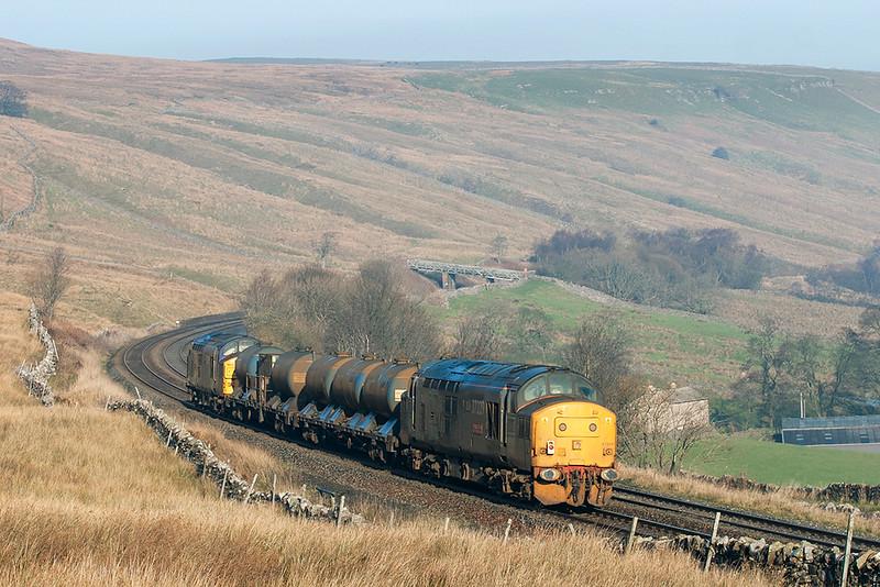 37229 and 37029, Ais Gill 22/11/2005<br /> 4Z06 1626 Carlisle Kingmoor-Carlisle Kingmoor