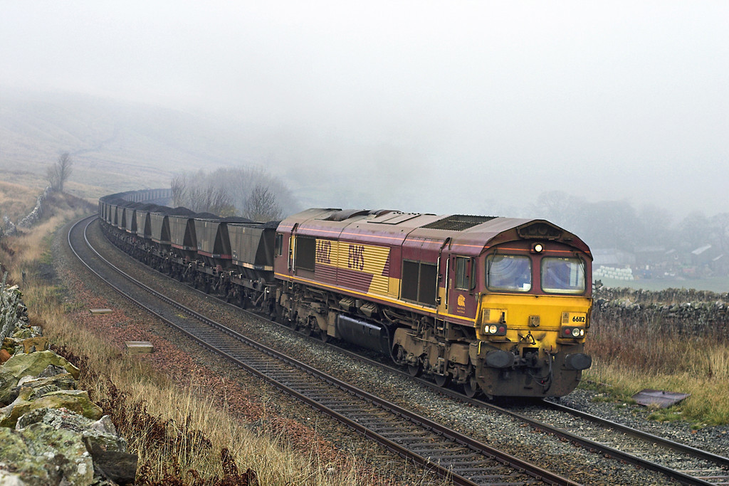 66112 Ais Gill 22/11/2005<br /> 6E24 0620 Falkland Yard-Cottam PS