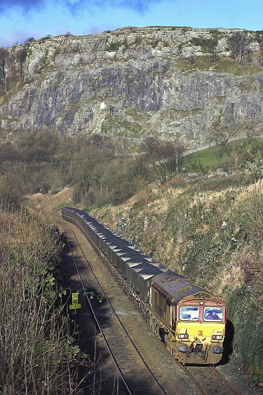 66112 Langcliffe 24/11/2005<br /> 6E24 0620 Falkland Yard-Cottam PS