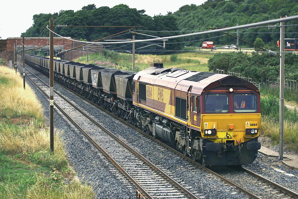 66164 Woodacre 25/7/2005<br /> 6M32 1135 Falkland Yard-Ratcliffe PS