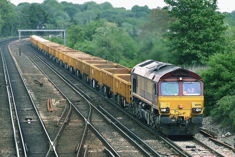 66085 Worting Junction 26/5/2005<br /> 7Y39 0946 Hoo Junction Yard-Eastleigh Yard