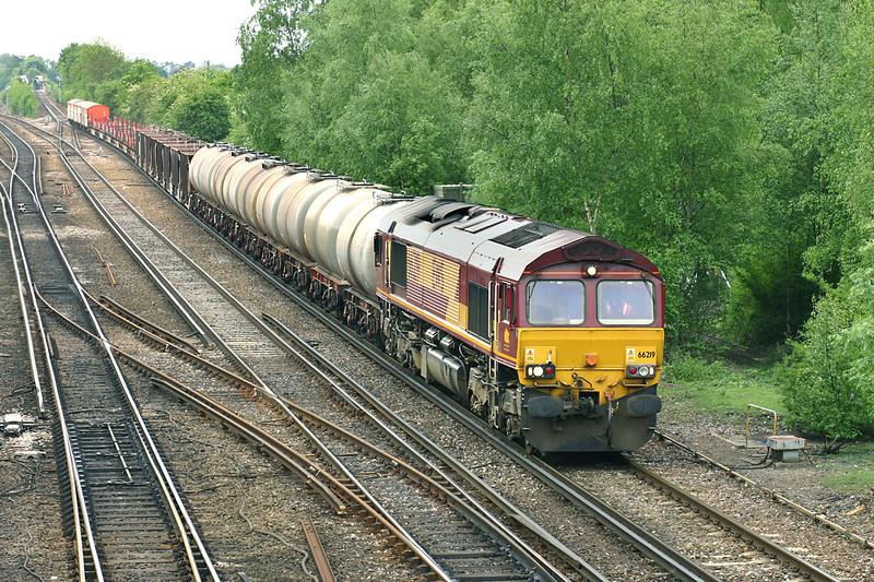 66219 Worting Junction 26/5/2005<br /> 6M44 1230 Eastleigh Yard-Wembley Yard