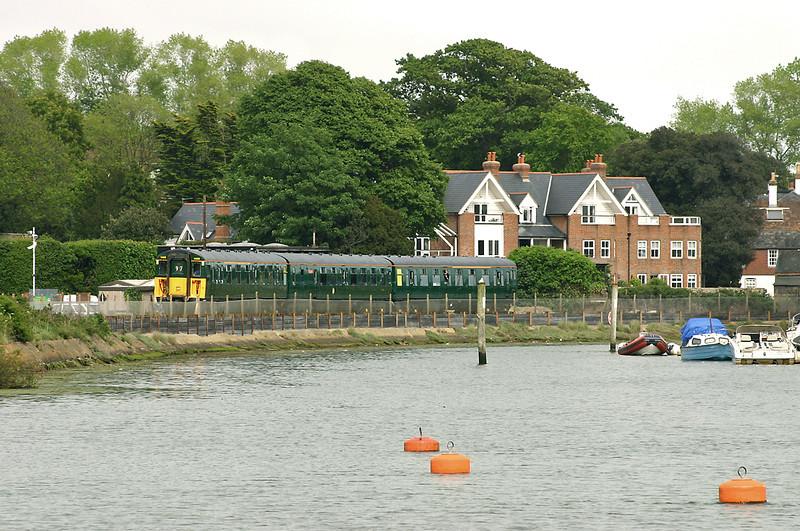 1498 Lymington 26/5/2005<br /> 1J42 1614 Lymington Pier-Brockenhurst