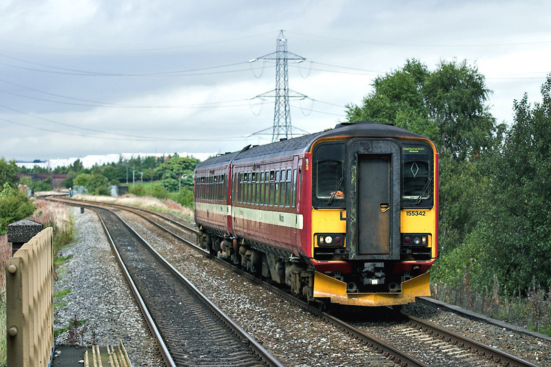 155342 Mills Hill 26/9/2005<br /> 2M30 1237 Leeds-Manchester Victoria