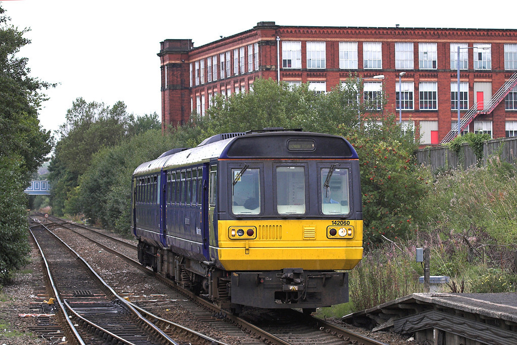142060 Shaw and Crompton 26/9/2005<br /> 2J91 1132 Rochdale-Manchester Victoria