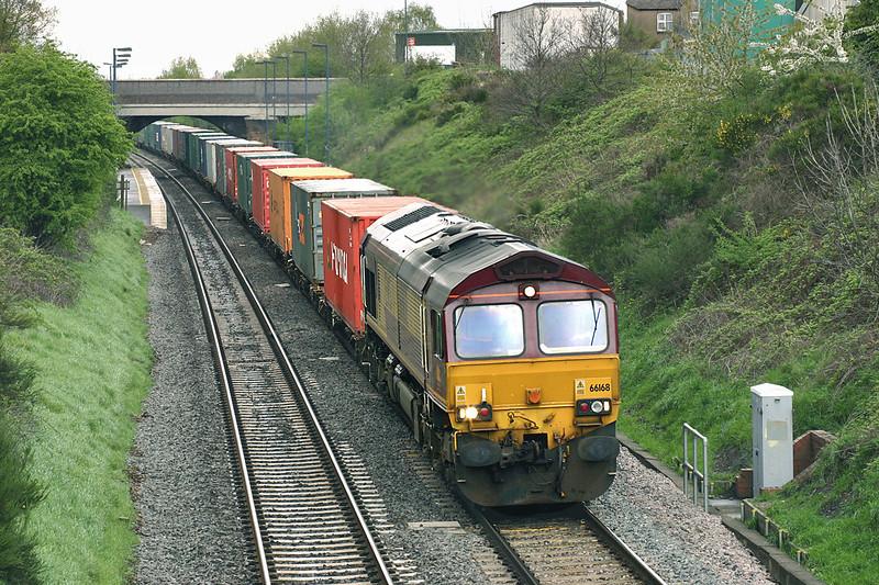 66168 Wilnecote 27/4/2005<br /> 4O26 1448 Burton Yard-Southampton Docks
