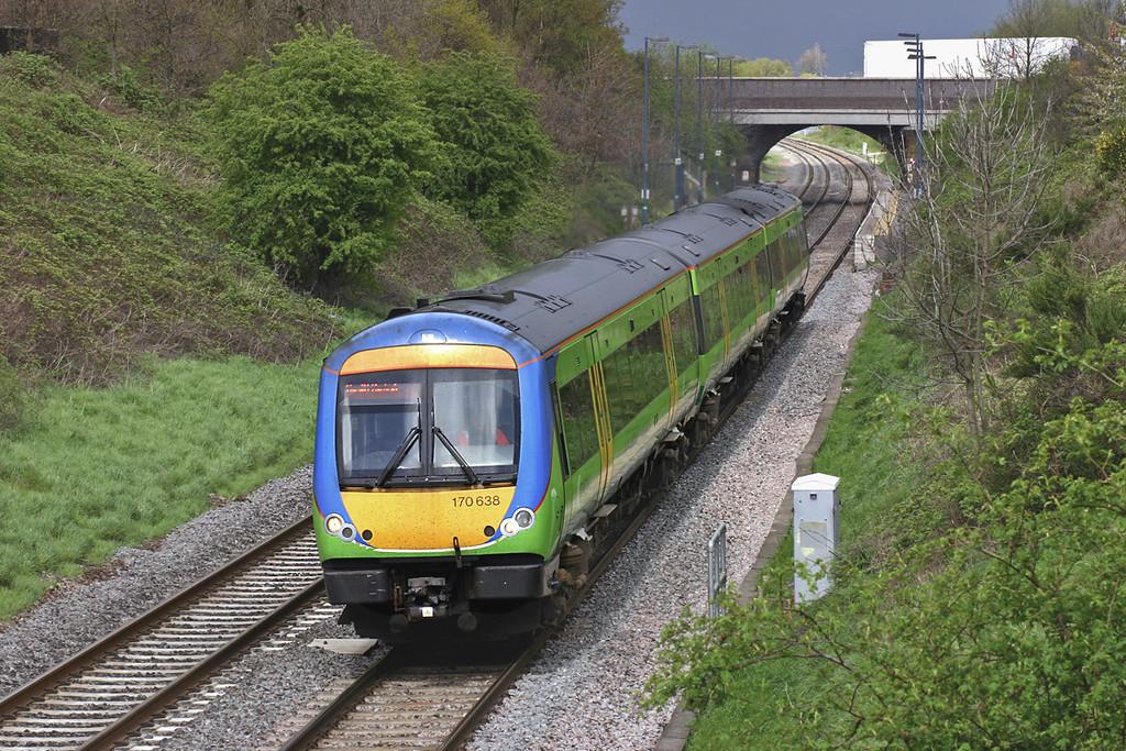 170638 Wilnecote 27/4/2005<br /> 1V26 1211 Nottingham-Cardiff Central
