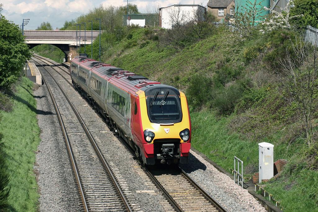 220020 Wilnecote 27/4/2005<br /> 1O18 0733 Dundee-Bournemouth
