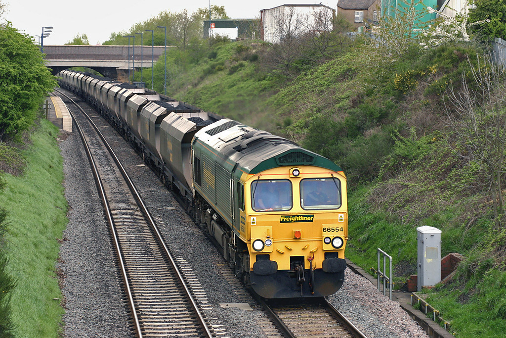 66554 Wilnecote 27/4/2005<br /> 6M49 0815 Hull King George Dock-Rugeley PS
