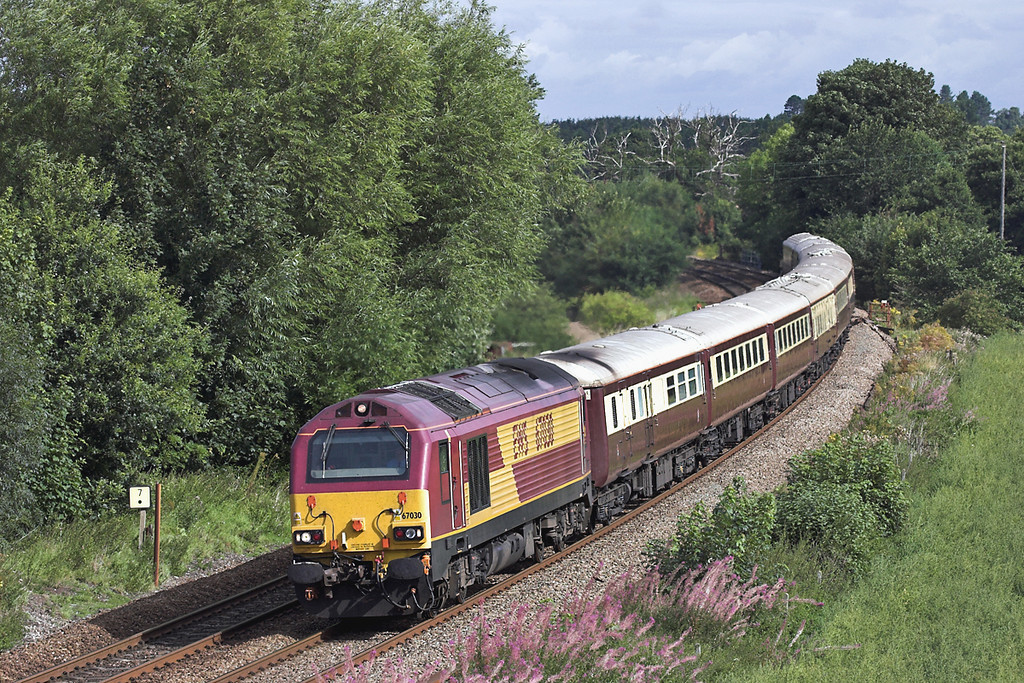 67030 Dorrington 27/8/2005<br /> 1Z70 0657 Leeds-Cardiff Central