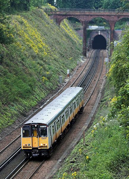 508201 Merstham 28/7/2005<br /> 2B37 1103 London Bridge-Tunbridge Wells