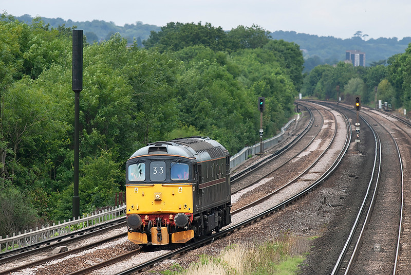 33202 Salfords 28/7/2005<br /> 0Z33 1000 Clapham Junction Yard-Horsham