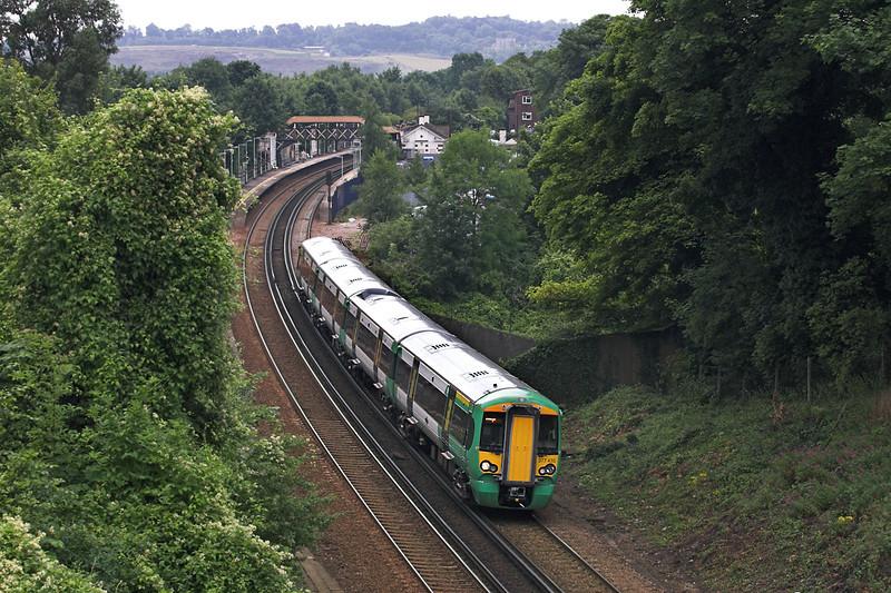 377435 Merstham 28/7/2005<br /> 2C70 1102 Horsham-London Bridge