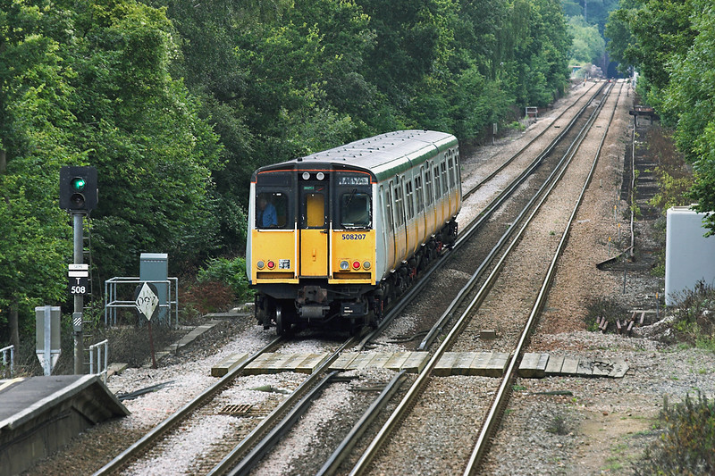 508207 Godstone 28/7/2005<br /> 2B46 1422 Tunbridge Wells-London Bridge