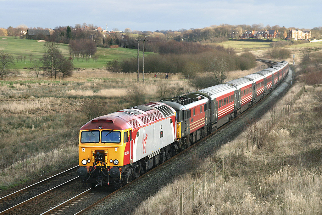 57309 and 87033, Lostock Hall Fold 29/1/2005<br /> 1P85 1000 London Euston-Preston
