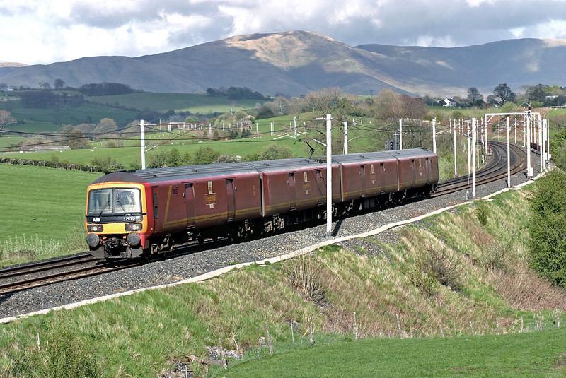 325002 Docker 29/4/2005<br /> 1M44 1531 Shieldmuir-Warrington RMT