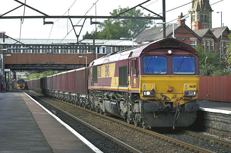 66211 Guide Bridge 29/9/2005<br /> 6H57 1236 Ashburys-Dowlow