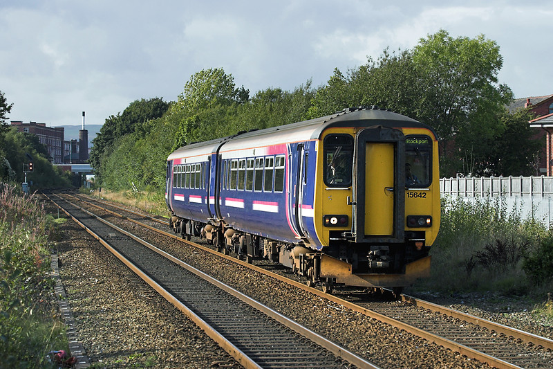 156421 Moses Gate 29/9/2005<br /> 2H04 1409 Blackpool North-Hazel Grove
