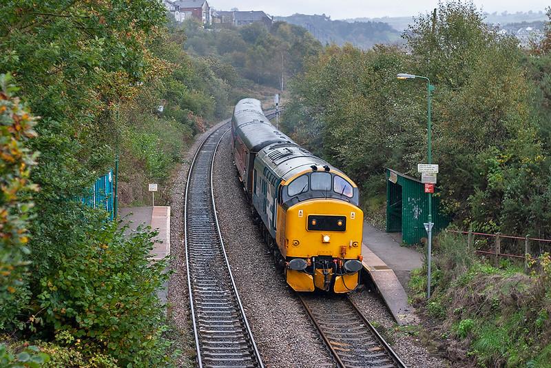 37425 Gilfach Fargoed 29/10/2005<br /> 2F38 1515 Rhymney-Cardiff Central