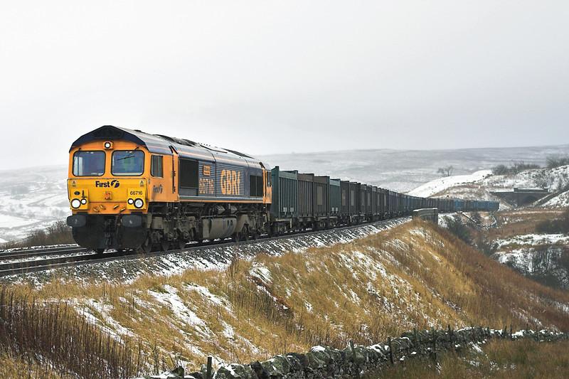66716 Grisedale Crossing 30/12/2005<br /> 4M52 0615 West Burton PS-Newbiggin