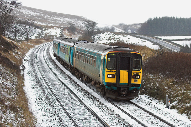 153328 and 156480, Grisedale Crossing 30/12/2005<br /> 2H89 1154 Carlisle-Leeds