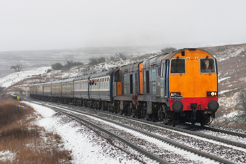 20305 and 20307, Grisedale Crossing 30/12/2005<br /> 1Z50 0723 Derby-Carlisle