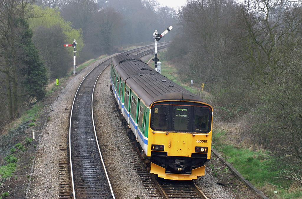 150019 Shirley 31/3/2005<br /> 2J43 1227 Stratford upon Avon-Stourbridge Junction