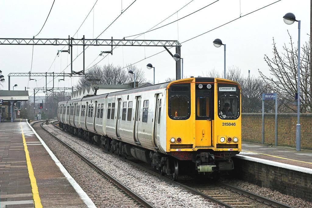 315846 White Hart Lane 2/2/2006<br /> 2D33 1401 Cheshunt-London Liverpool Street