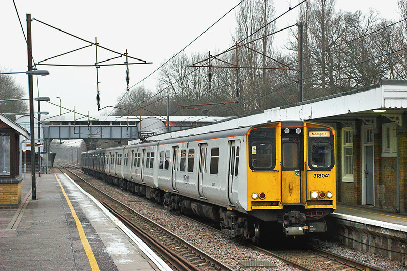 313041 and 313059, Gordon Hill 2/2/2006<br /> 2J39 1552 Herford North-Moorgate