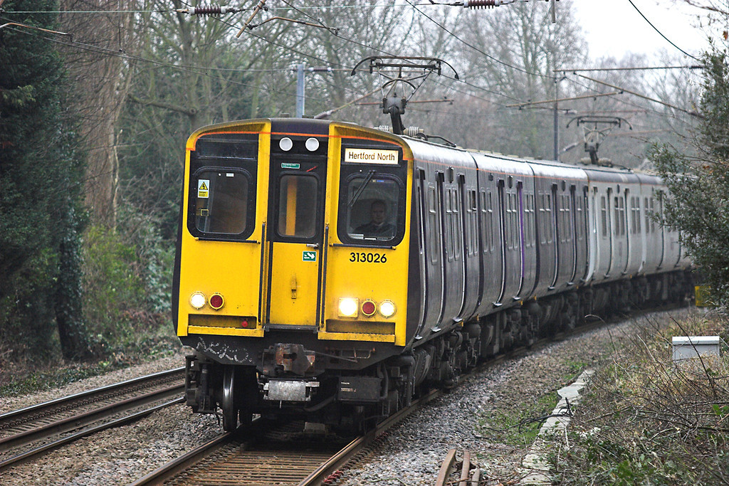 313026 and 313036, Enfield Chase 2/2/2006<br /> 2B16 1532 Moorgate-Hertford North