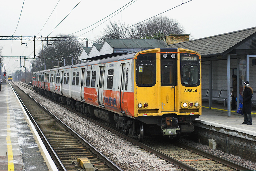 315844 Silver Street 2/2/2006<br /> 2D35 1431 Cheshunt-London Liverpool Street