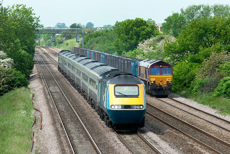 43073, 43048 and 66247 Cossington 2/6/2006<br /> 43073/43048: 1C37 1327 Sheffield-London St Pancras<br /> 66247: 6Z88 1016 Milford Sidings-Hotchley Hill