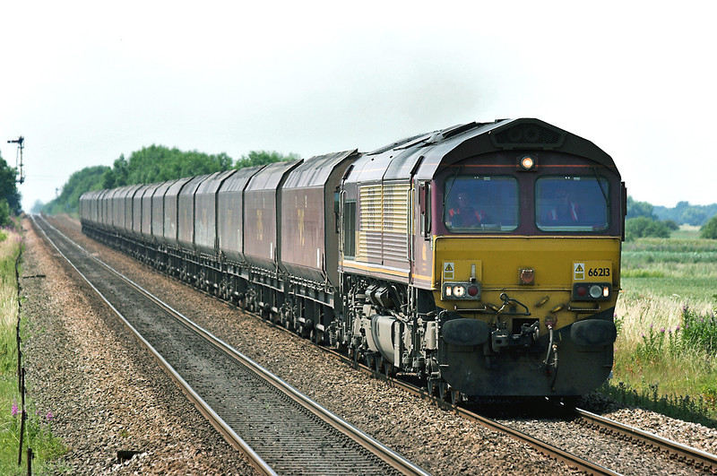 66213 Broomfleet 4/7/2006<br /> 4Y96 1304 Milford Sidings-Hull Container Terminal