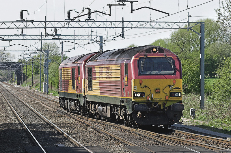 67024 and 67021, Acton Bridge 5/5/2006<br /> 0Z63 1355 Warrington Arpley-Crewe CS