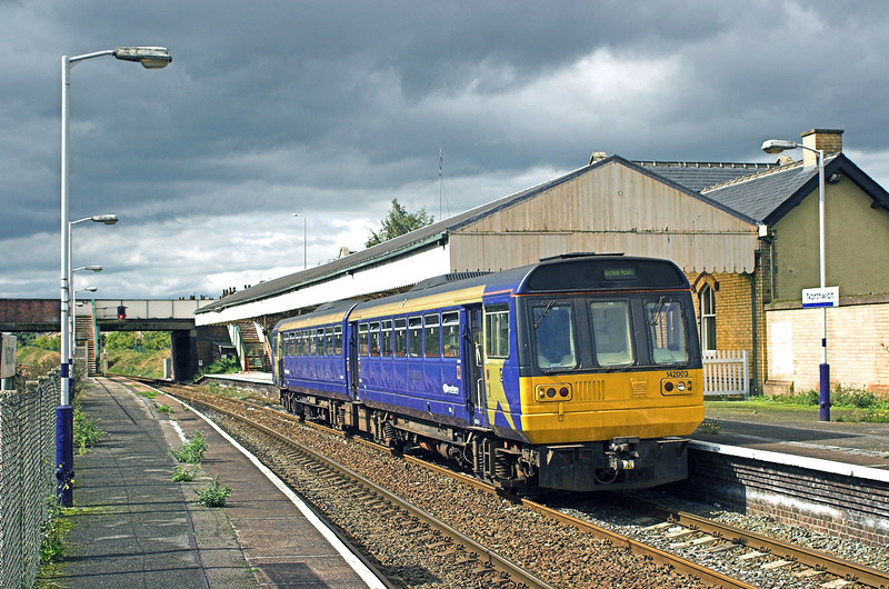 142003 Northwich 5/9/2006<br /> 2H87 1104 Chester-Manchester Piccadilly