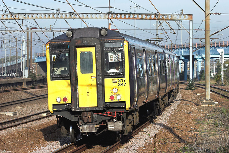 317347 Harringay 6/11/2006<br /> 2Y52 0940 Welwyn Garden City-London Kings Cross