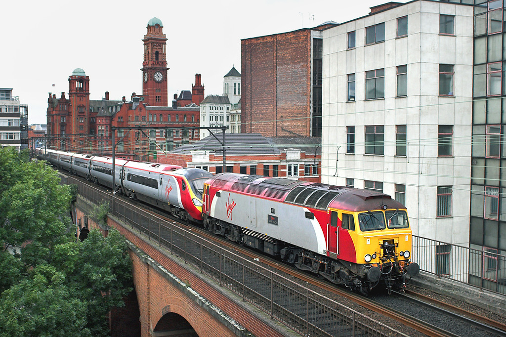 57305 and 390011, Manchester 7/10/2006<br /> 1M11 0710 Glasgow Central-Harrow and Wealdstone