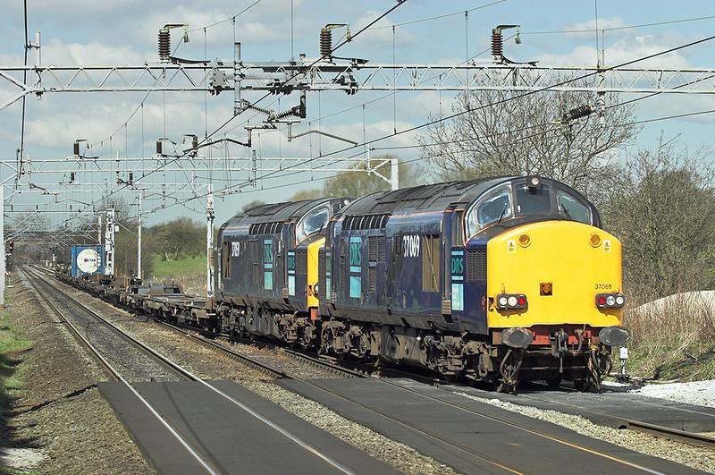 37069 and 37059, Acton Bridge 10/4/2006<br /> 4L46 1118 Ditton FLT-Purfleet