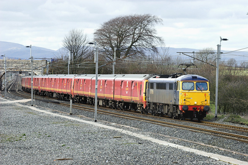 87006, 325004, 325015, 325009 and 325002, Elmsfield 10/4/2006<br /> 1M44 1547 Shieldmuir-Warrington RMT