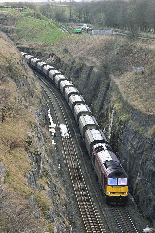 60065 Dove Holes Tunnel 12/1/2006<br /> 6F05 1535 Tunstead-Oakleigh