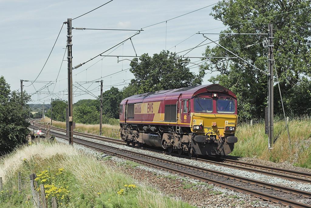 66086 Acton Bridge 14/7/2006<br /> 0G64 1310 Warrington Arpley-Halewood
