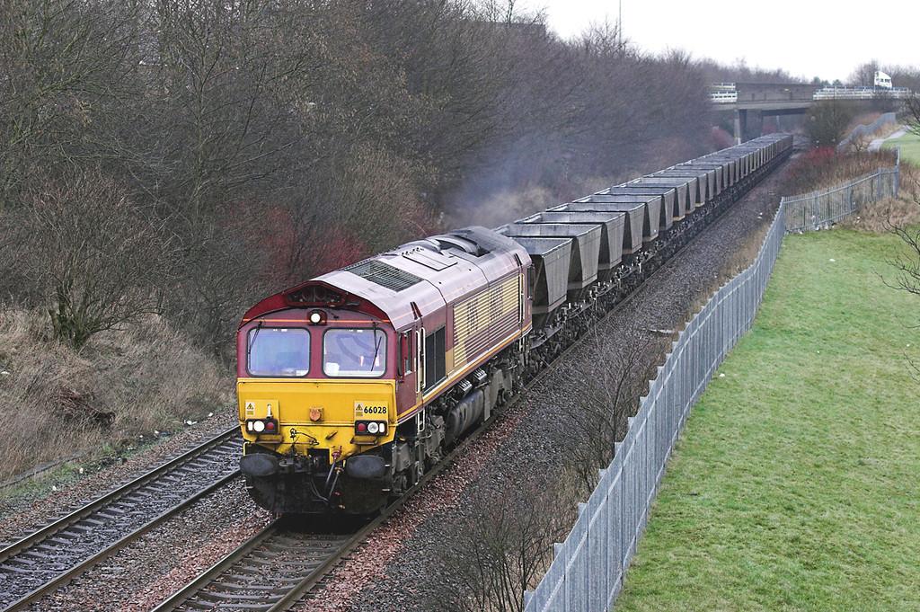 66028 Greenfaulds 15/2/2006<br /> 6J12 1055 Longannet PS-Hunterston