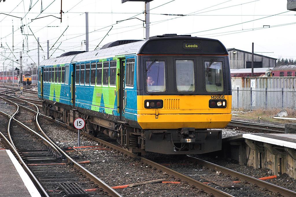 142066 Carnforth 16/3/2006<br /> 2H83 0715 Lancaster-Leeds